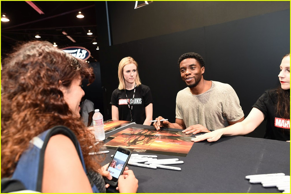 black panthers chadwick boseman meets fans at d23 expo 14