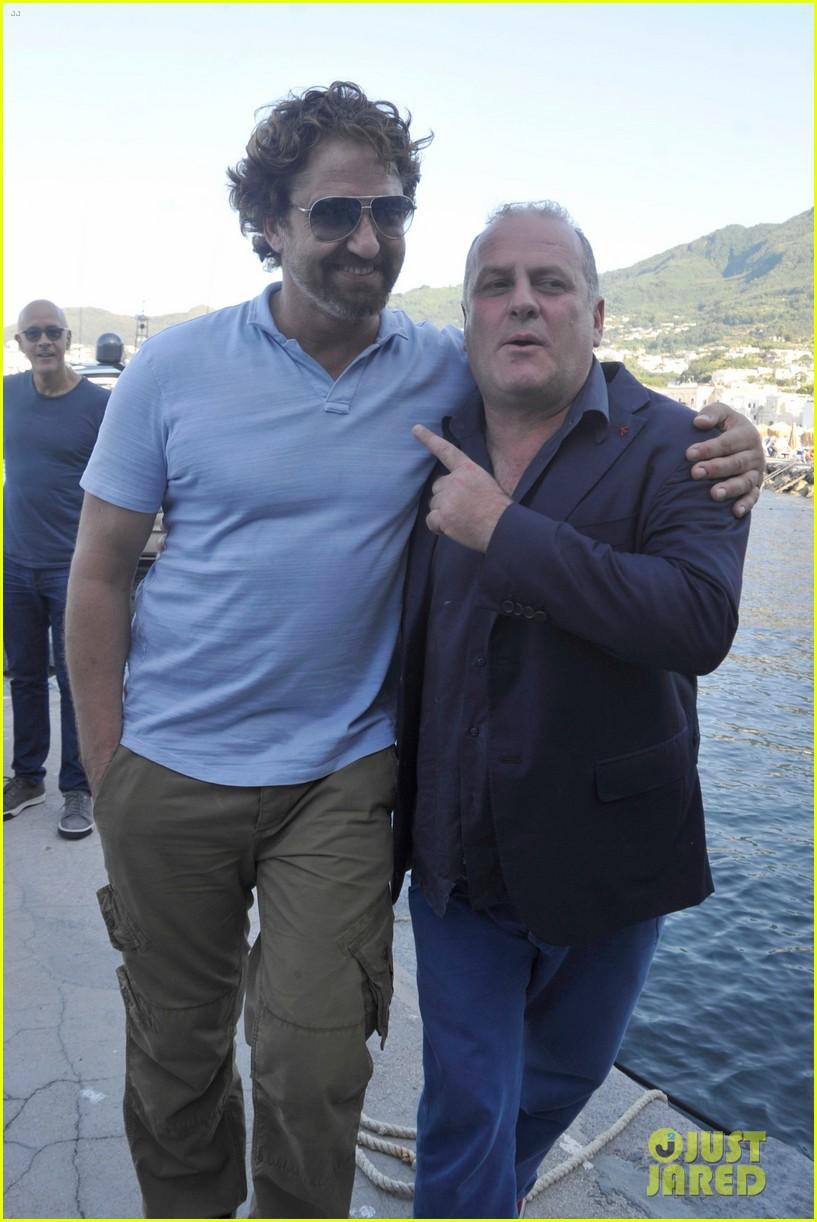 gerard butler ischia film festival arrival 03