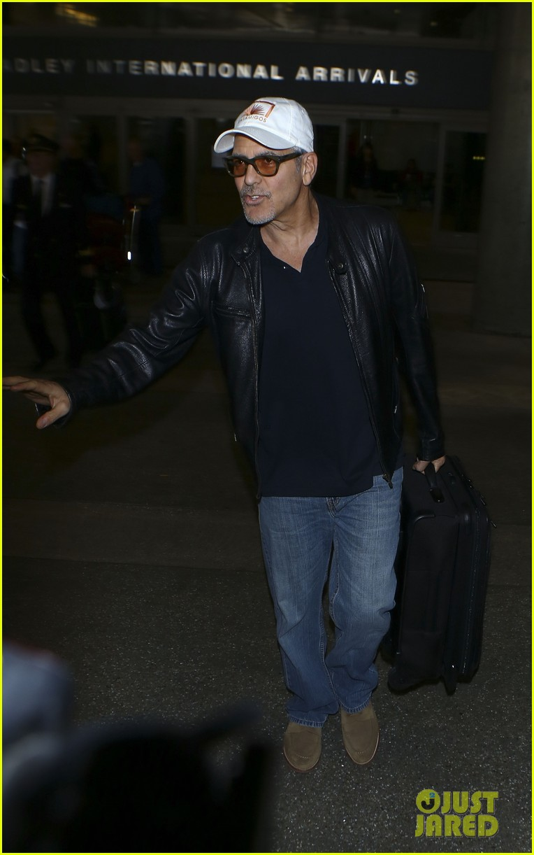 George Clooney back in the US July 2017 George-clooney-wraps-up-italy-trip-in-leather-jacket-and-casamigos-hat-05