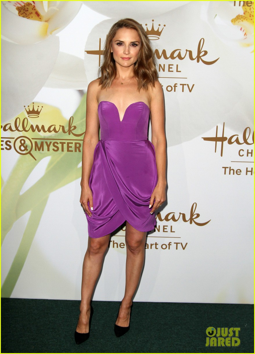 rachael leigh cook lacey chabert hallmark tca party 013935077