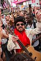 billy ray cyrus performs as still the kings burnin vernon brown in times square 09