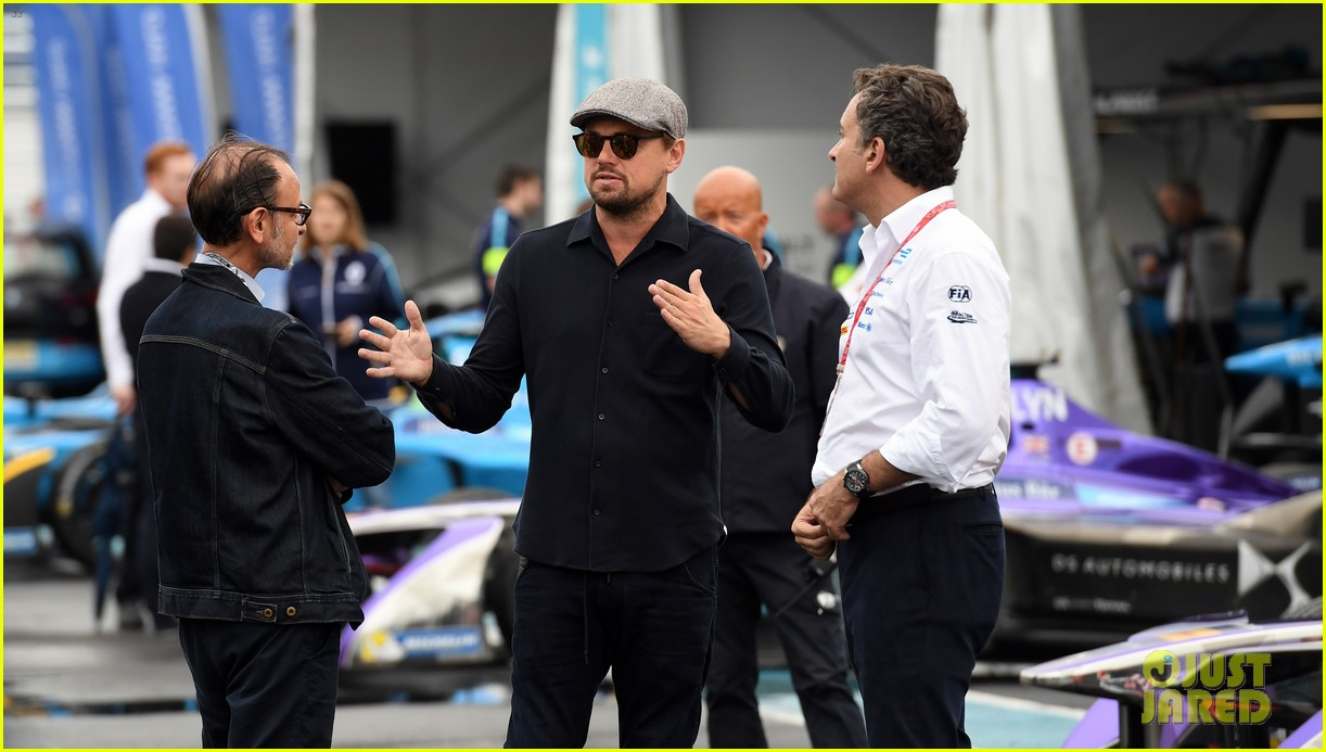 leonardo dicaprio tours garages before formula e nyc eprix 023928475
