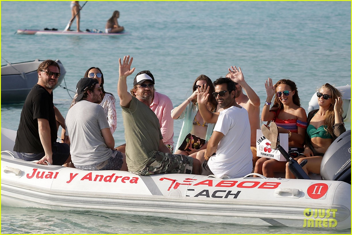 gerard butler beach boat spain friends 44
