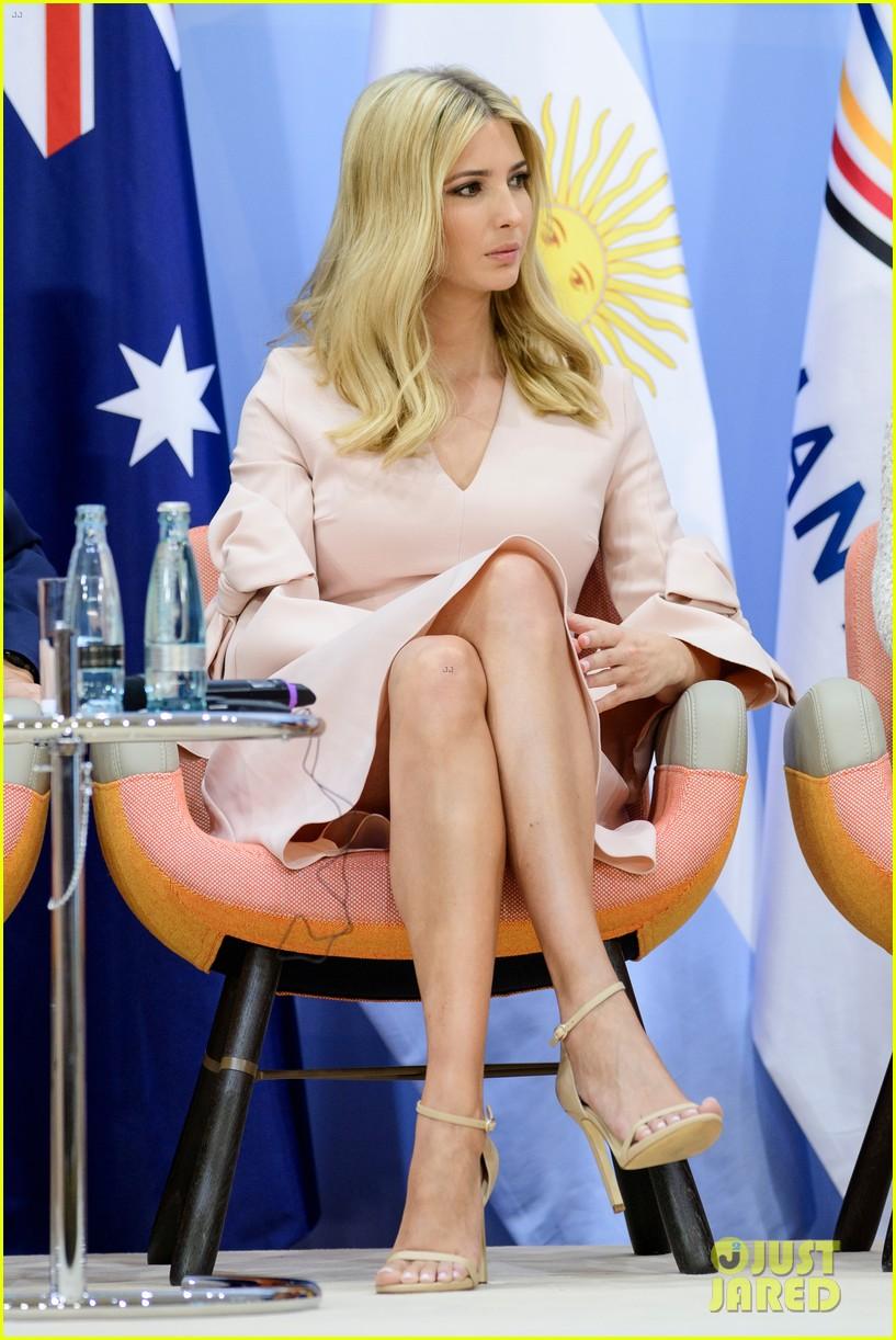 Full Sized Photo of ivanka trump sits in presidents seat ... Ivanka Trump