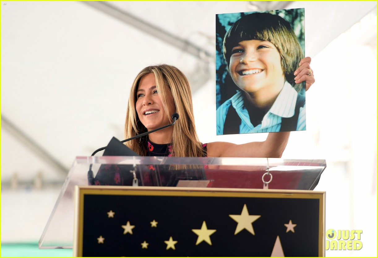 jennifer aniston supports jason bateman walk of fame 023934095