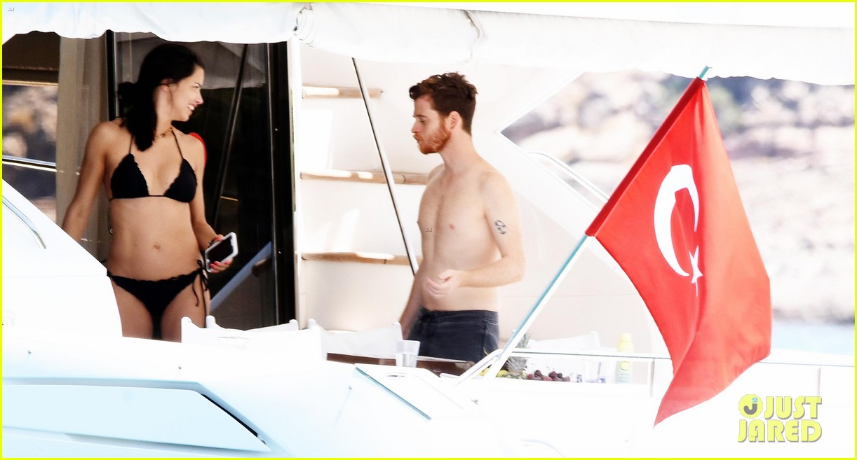 adriana lima boyfriend metin hara relax on a yacht in turkey 043927923
