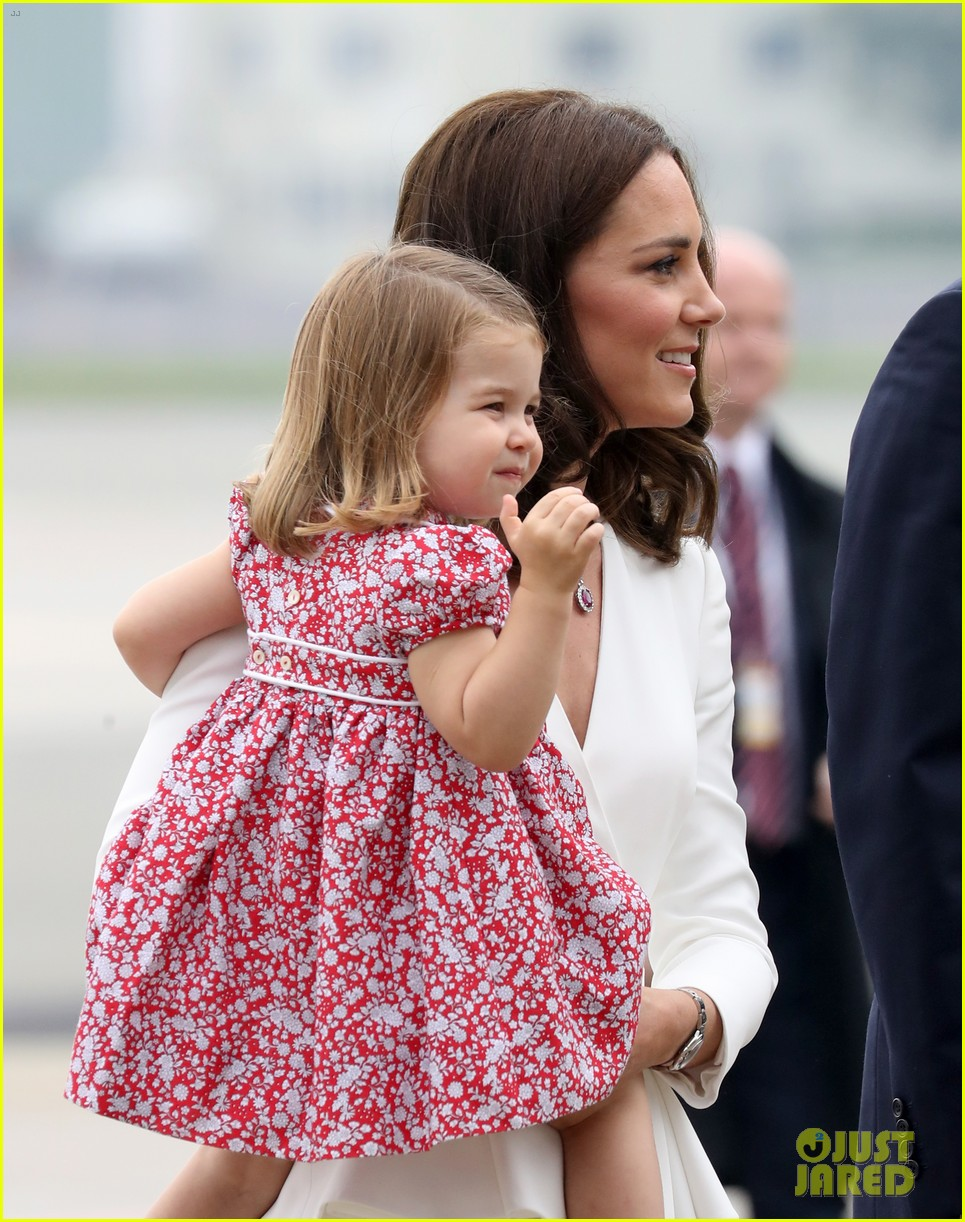 kate middleton prince william arrive in poland with george charlotte 08