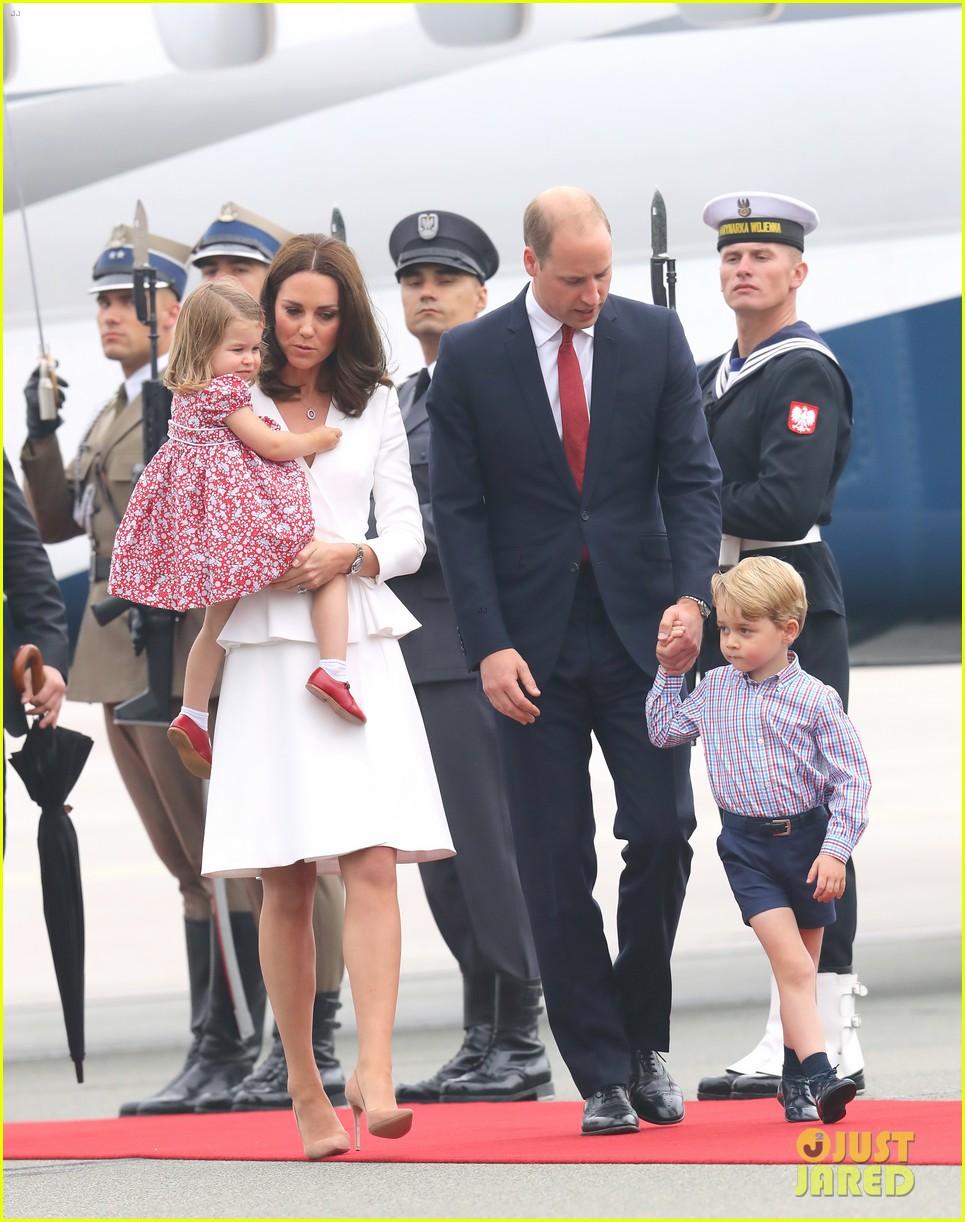 kate middleton prince william arrive in poland with george charlotte 14 - Kate Middleton Prince William