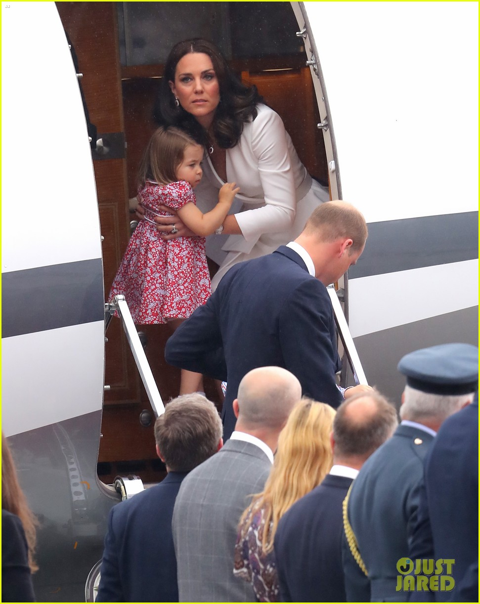 kate middleton prince william arrive in poland with george charlotte 193929258