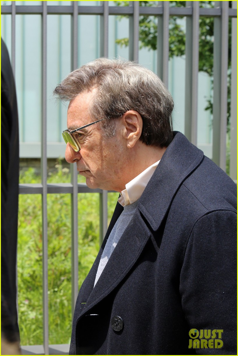 al pacino seen in character as joe paterno on sun valley set 033929436