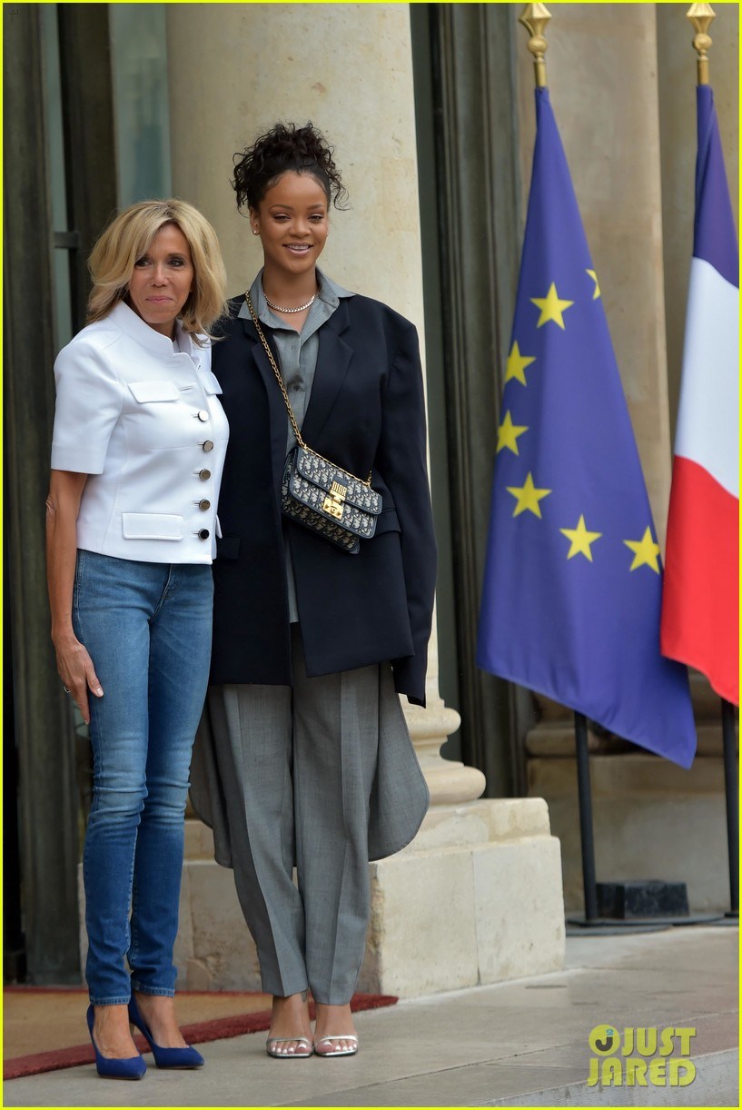rihanna meets with french president emmanuel macron 033934077