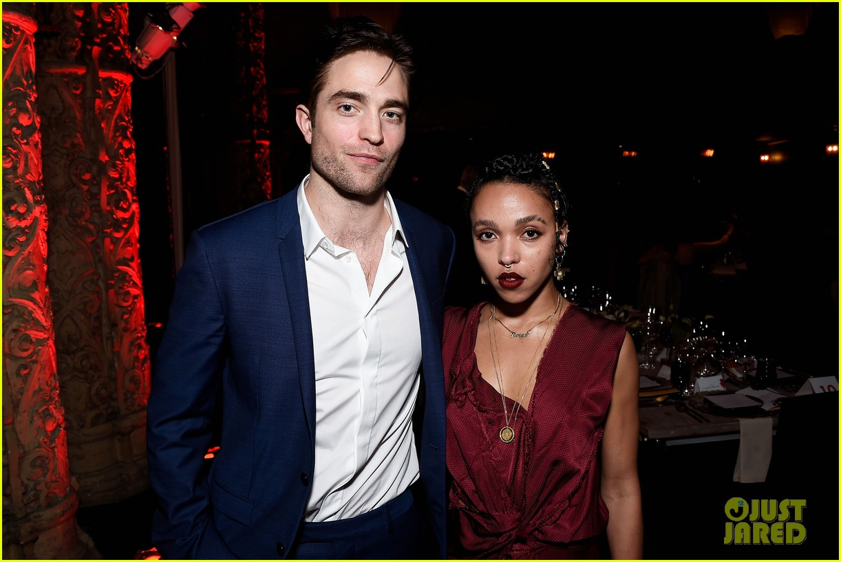 robert pattinson fka twigs engaged 053933729