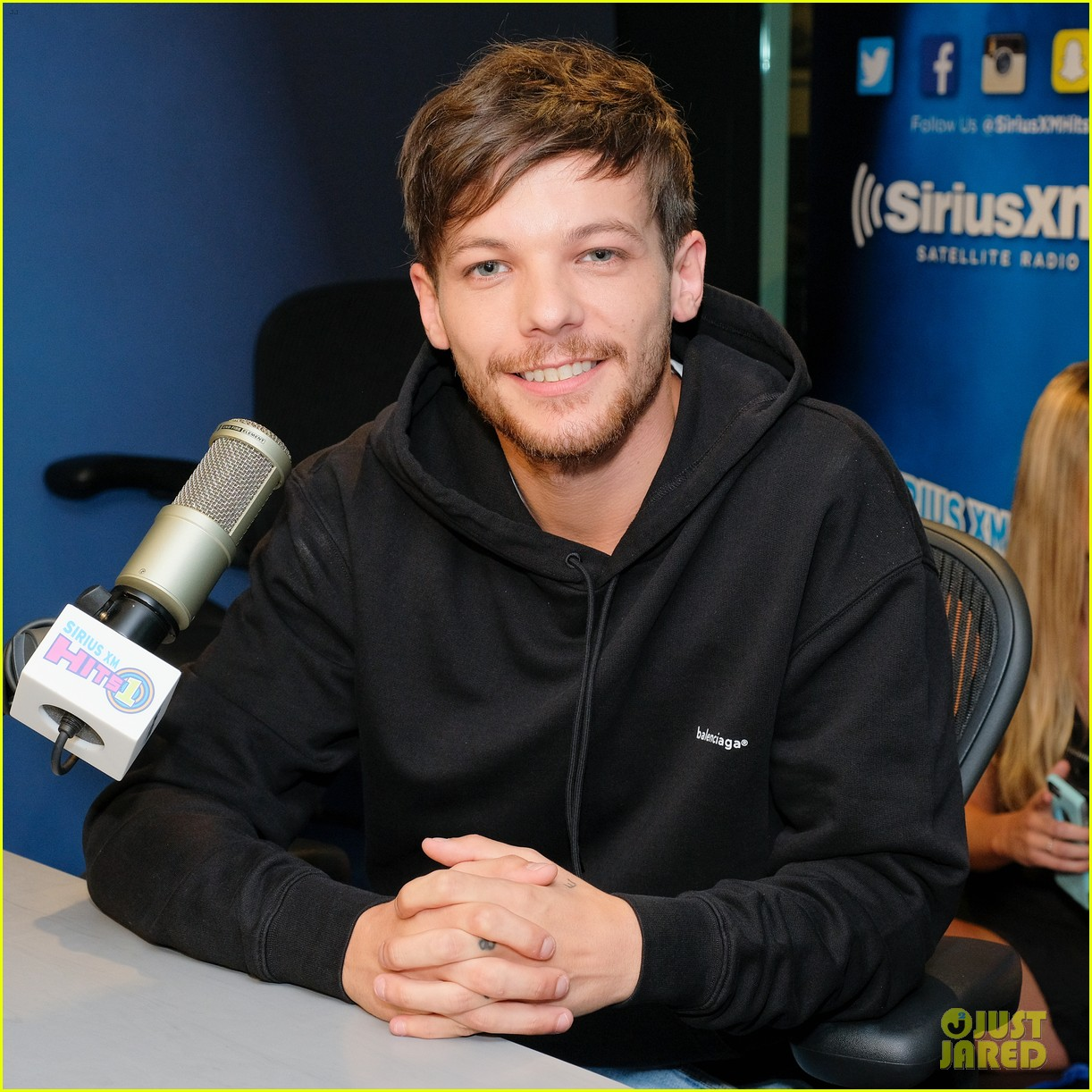 louis tomlinson calls out justin bieber for canceling tour 033936121
