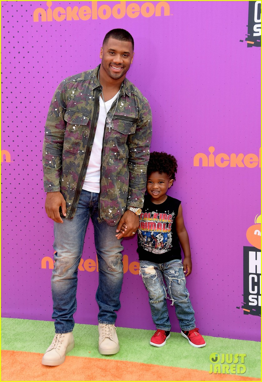 russell wilson takes step son future jr to nickelodeon awards 013927647