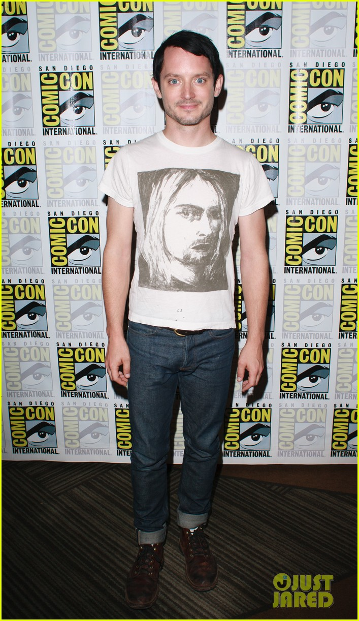 elija samuel preview dirk gently season 2 at comic con 013933029