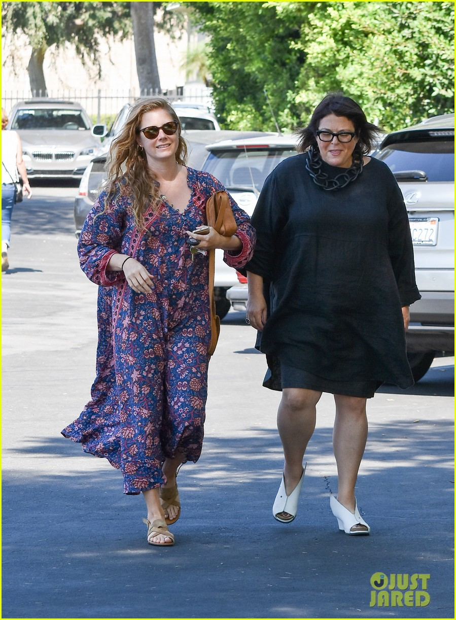 amy adams looks stunning while going makeup free in la 083941141