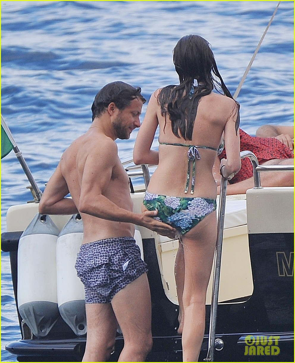 bee shaffer fiance francesco carrozzini flaunt pda in italy 013948823