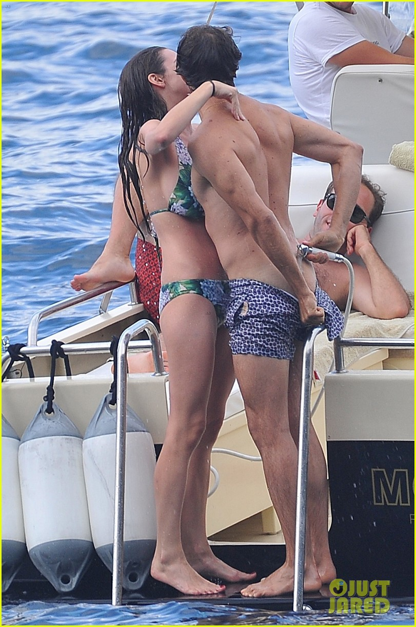 bee shaffer fiance francesco carrozzini flaunt pda in italy 053948827