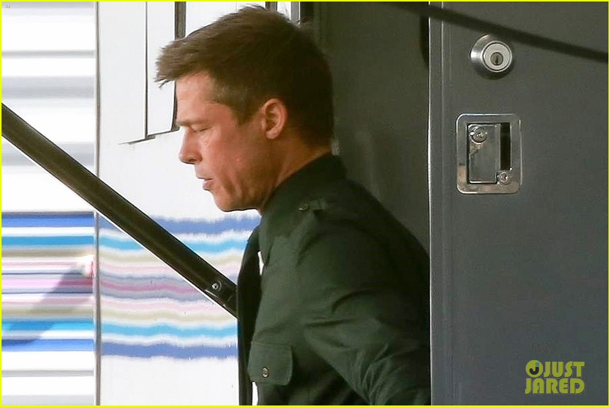 brad pitt films set of ad astra 04