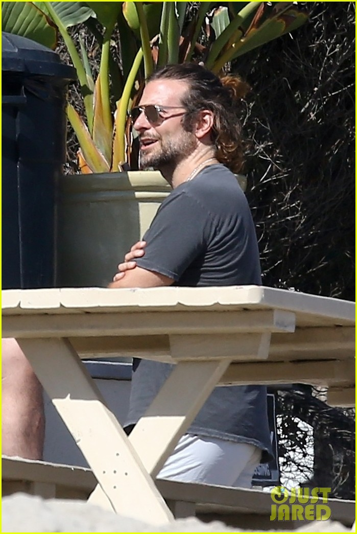 bradley cooper spends the day at leonardo dicaprios maliibu home 033943902