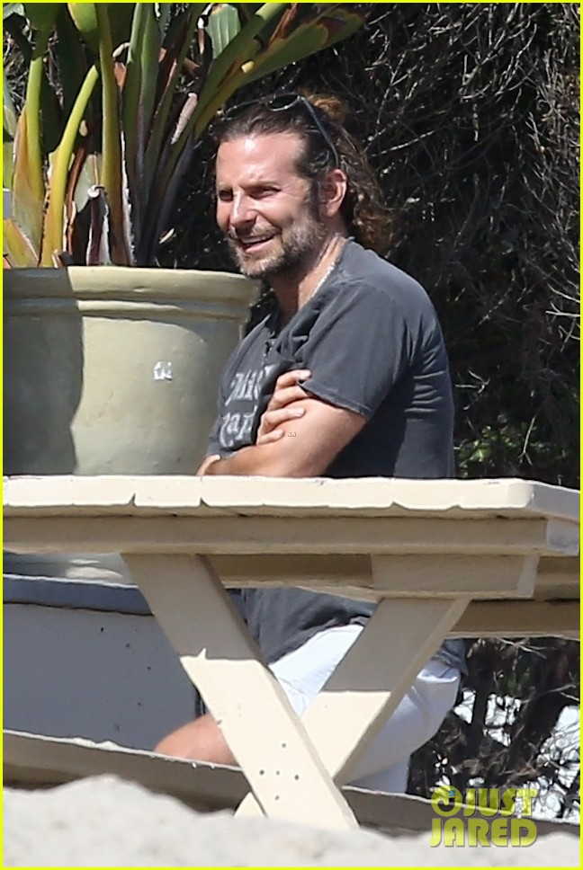 bradley cooper spends the day at leonardo dicaprios maliibu home 053943904