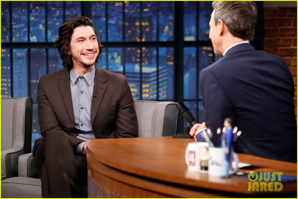 adam driver can make a one arm martini thanks to logan lucky 013942535