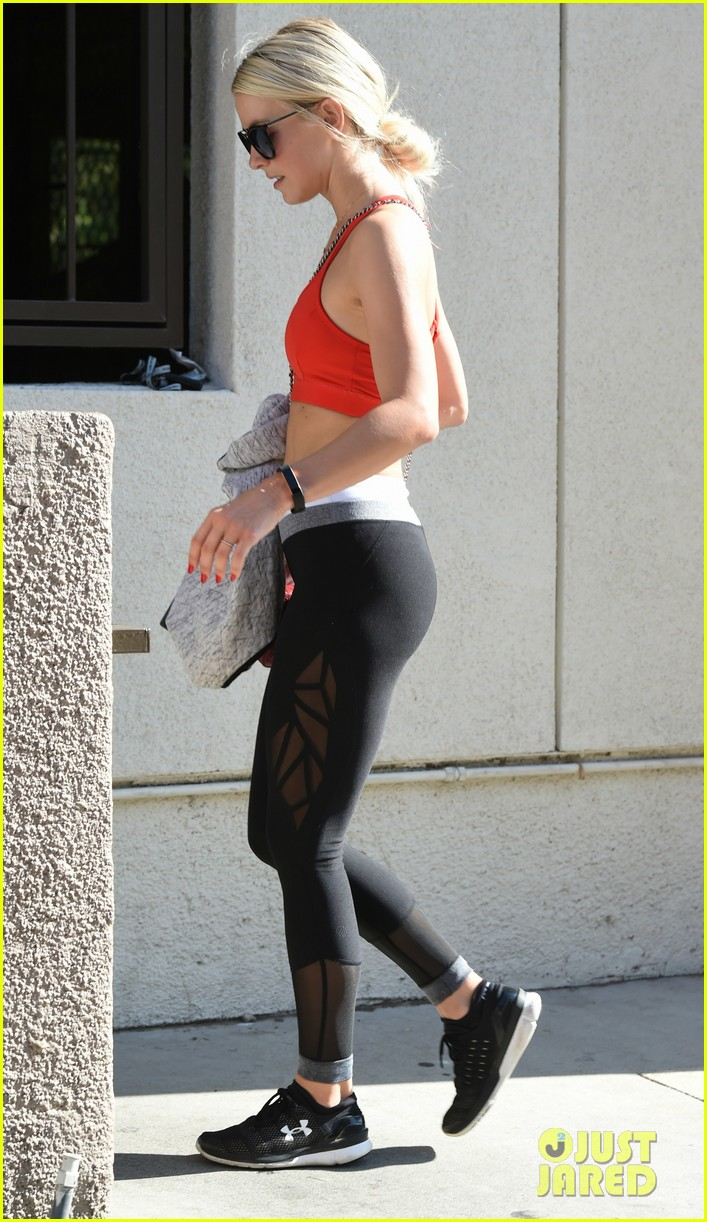 julianne hough gets in a workout before girls trip to vegas 203941060