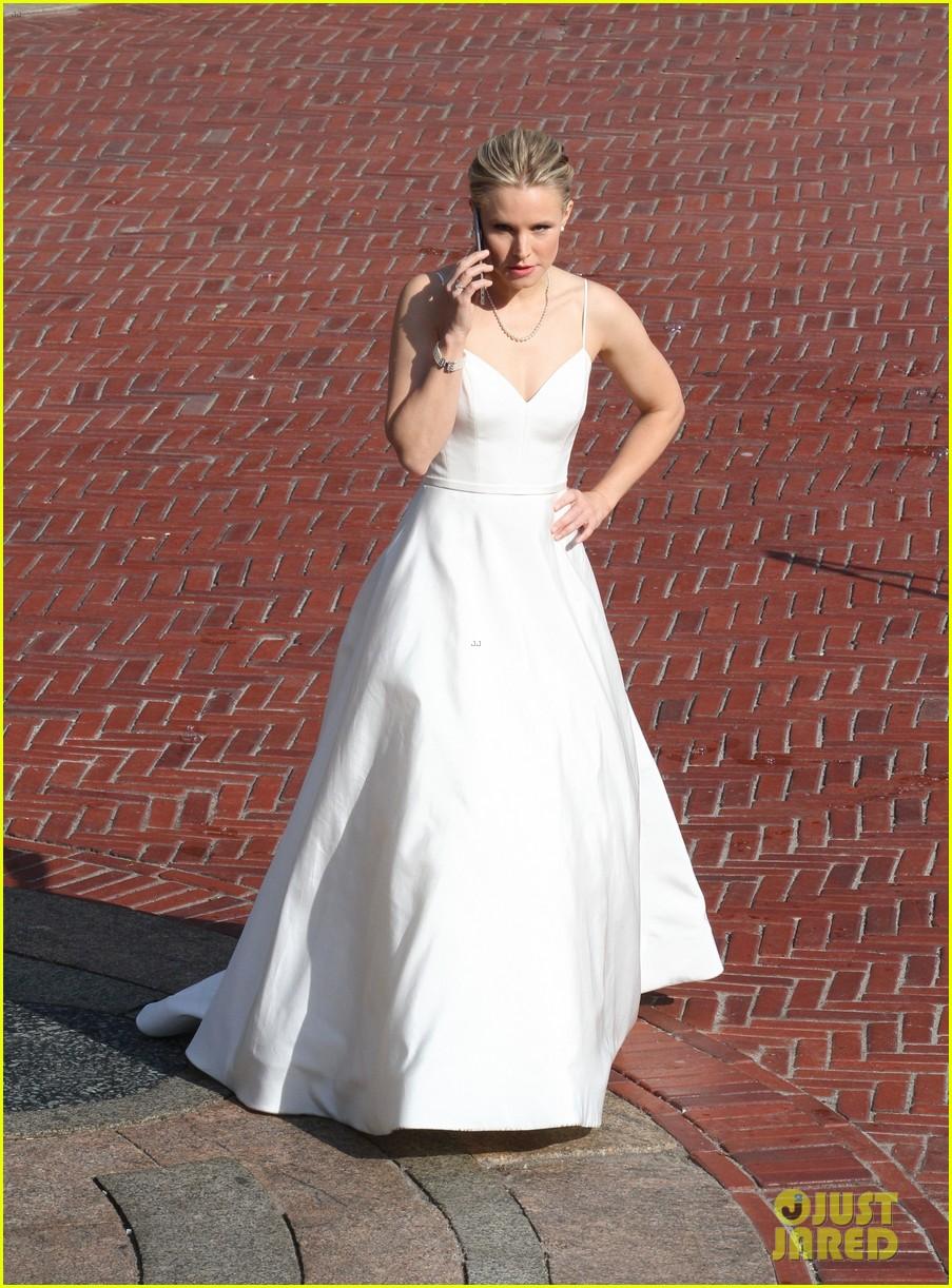 kristen bell central park wedding dress 043947432