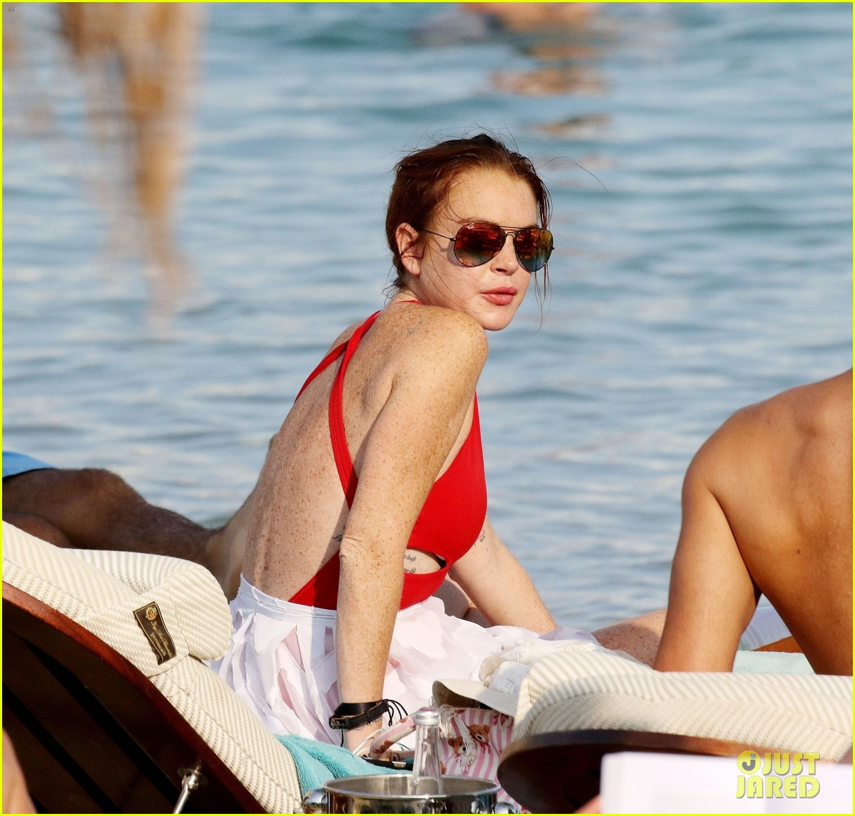 lindsay lohan beach greece 023944376