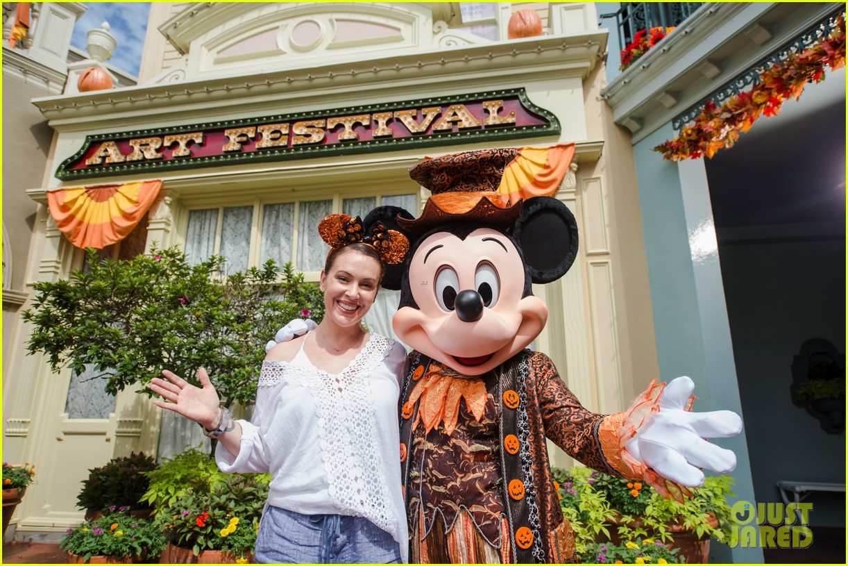 alyssa milano takes 6 year old son to disney world for birthday 013948444
