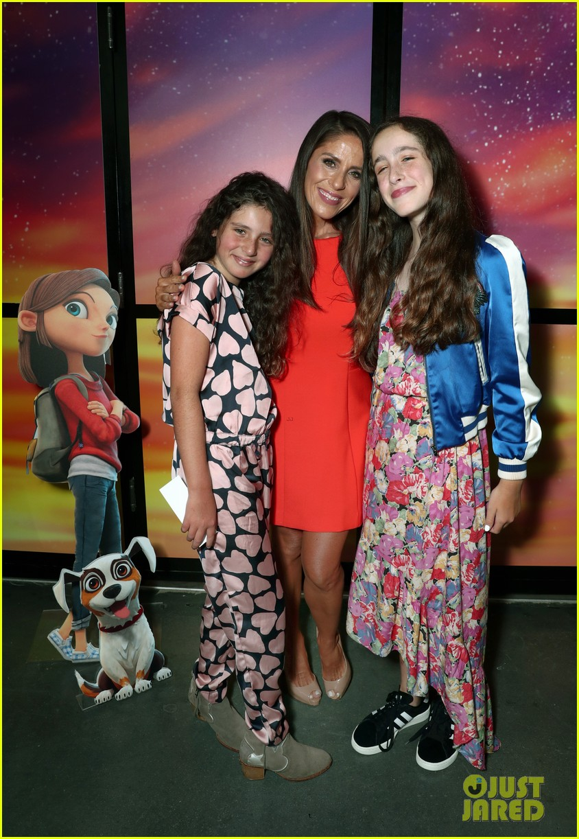 hollywood moms bring their kids to lost in oz premiere 053936653