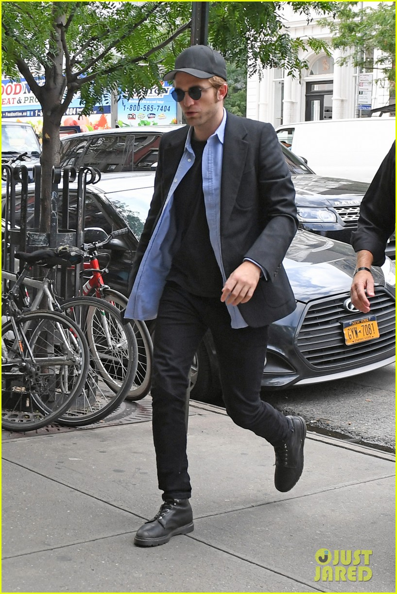 robert pattinson out about new york city 053939638