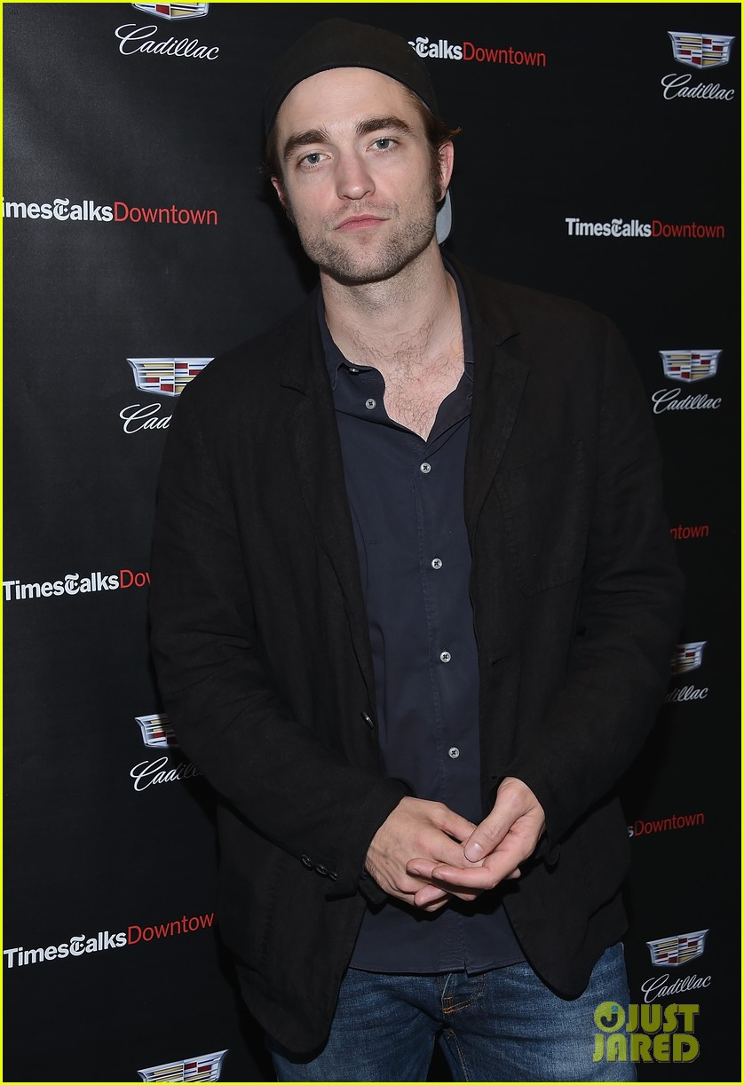 robert pattinson thinks his bleached blond hair was gross 013940645