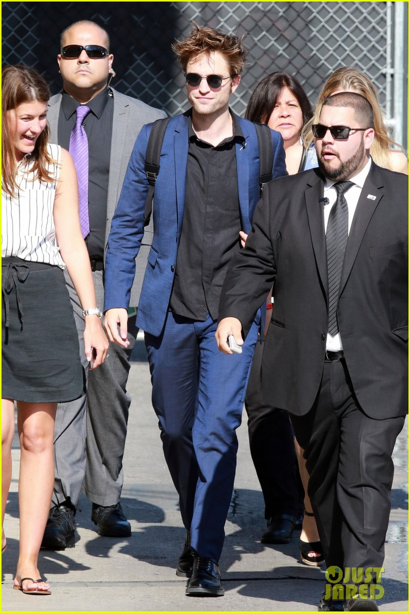 robert pattinson arrives in style for jimmy kimmel live 04