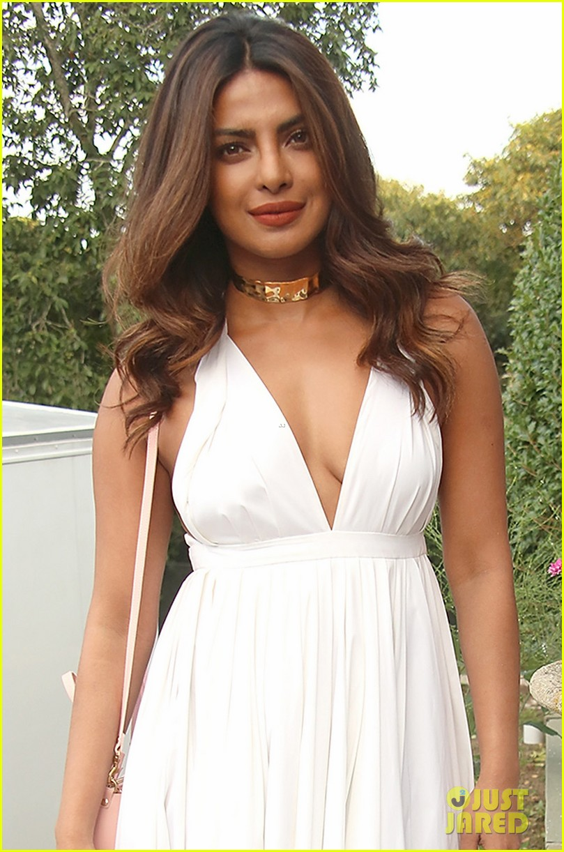 priyanka chopra celebrates international youth day 013941028