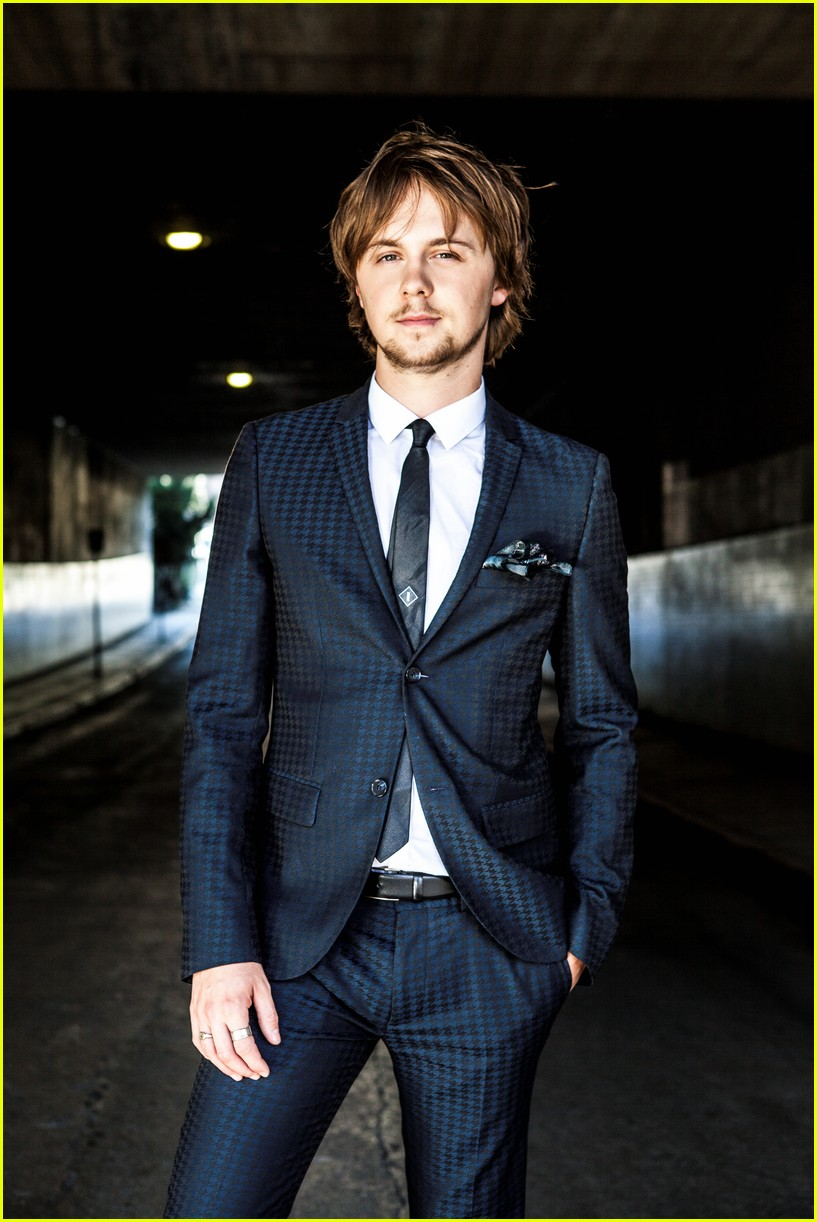 ellington ratliff 10 fun facts 023945412