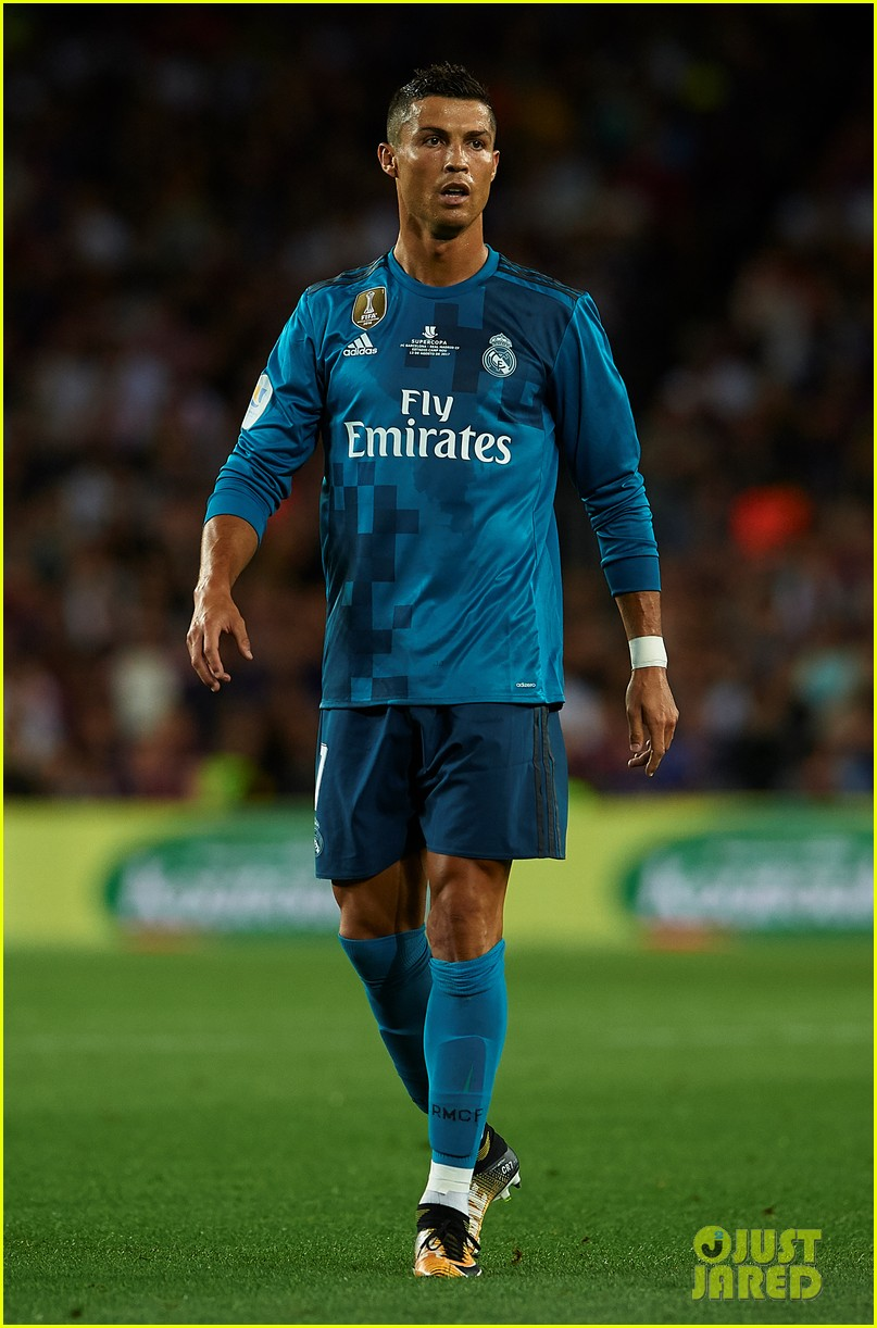 cristiano ronaldo suspended for five games after pushing ref 203941713