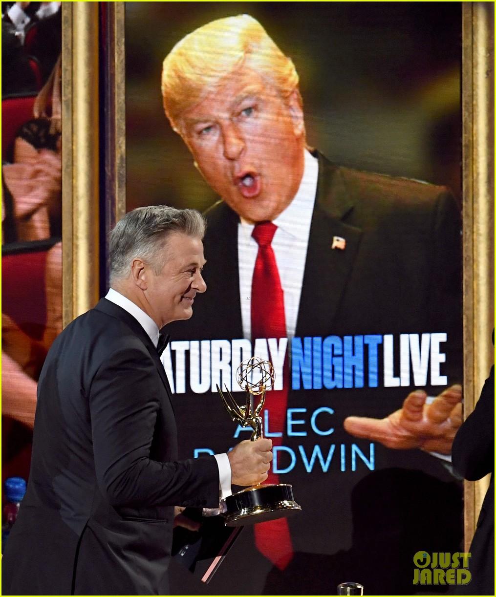 alec baldwin dedicates his emmys win to donald trump 02