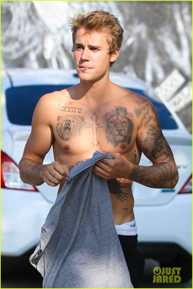 justin bieber shirtless skateboarding 65