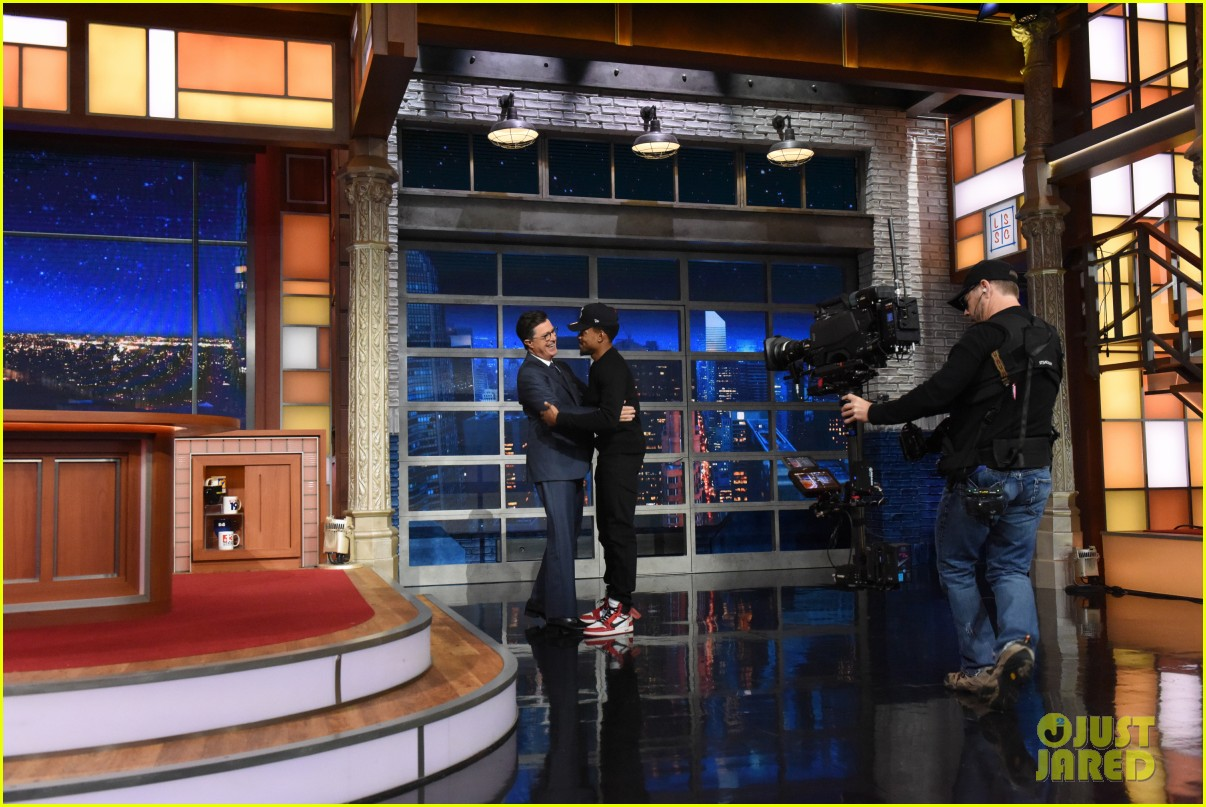 chance the rapper debuts new unreleased song on the late show 053964774