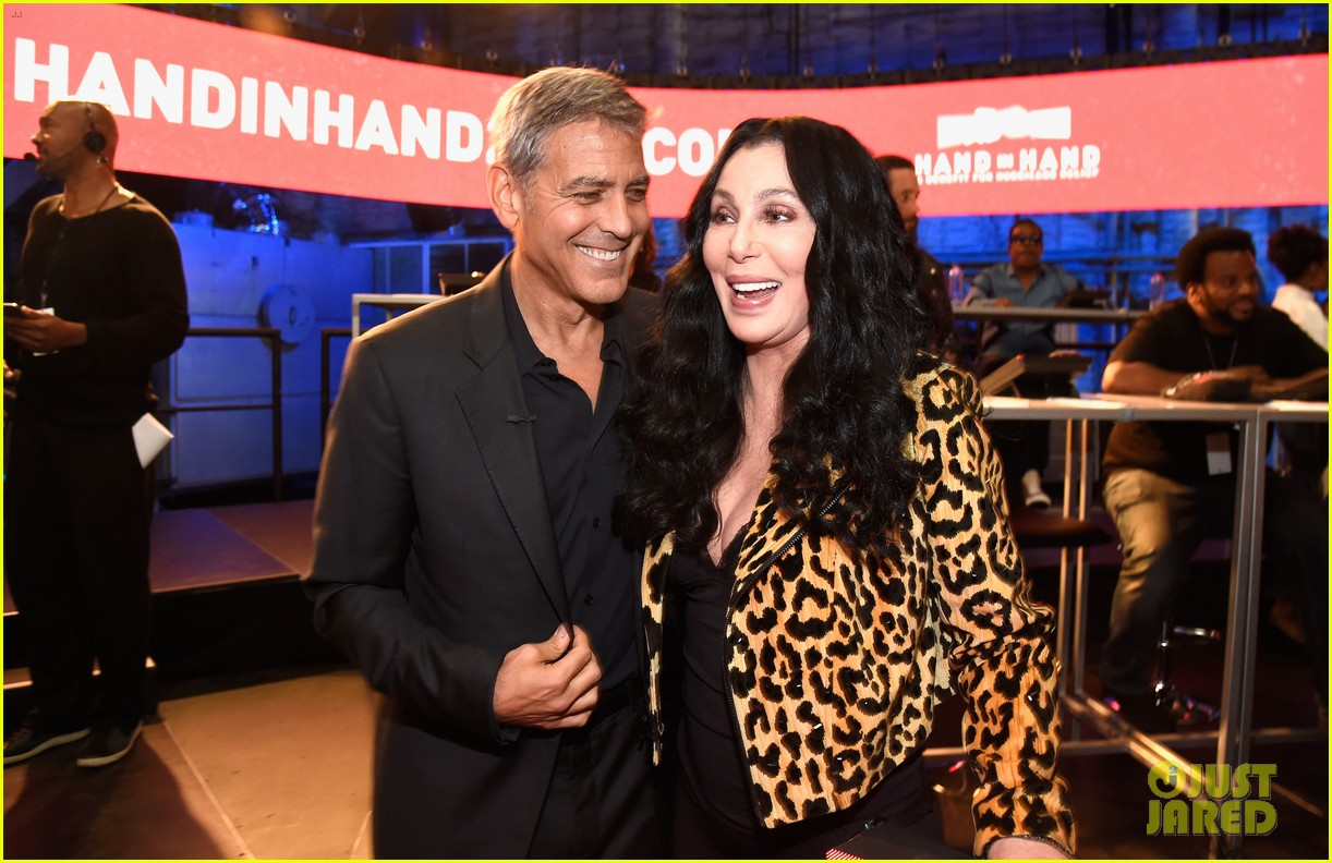 george clooney julia roberts reunite at hand in hand telethon 013955890