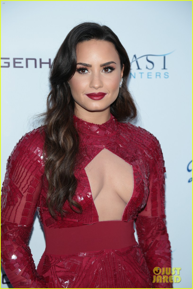 demi lovato spirit of sobriety 033954235