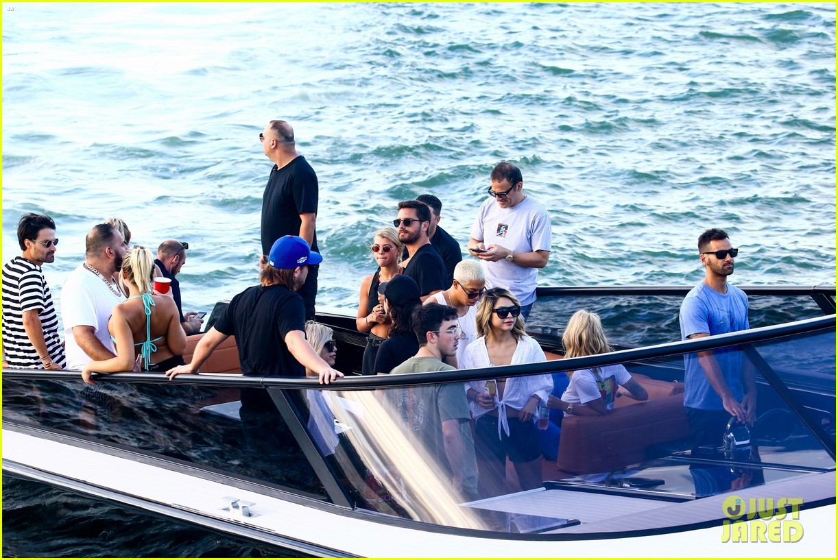 scott disick and sofia richie flaunt pda on a boat with friends2 353963015