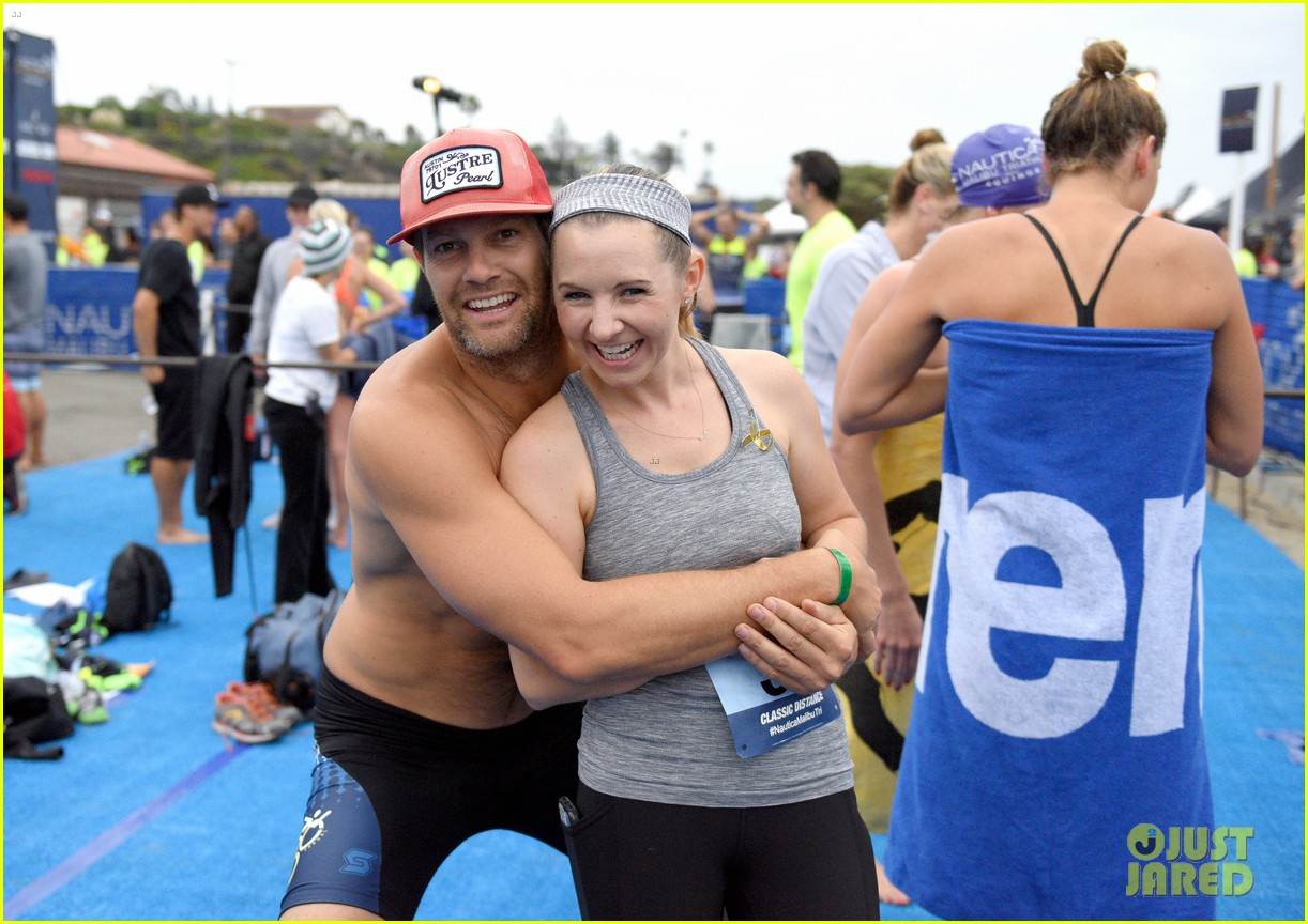 zac efron races his heart out in malibu triathlon for childrens hospital la2 03