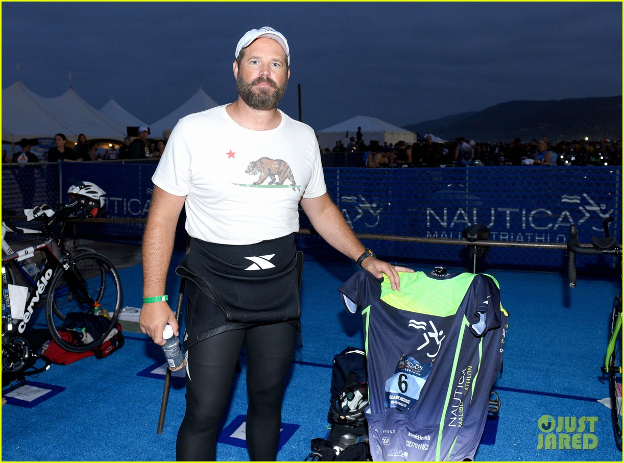 zac efron races his heart out in malibu triathlon for childrens hospital la2 04