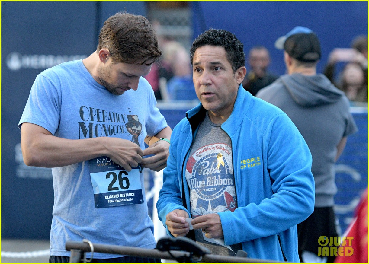 zac efron races his heart out in malibu triathlon for childrens hospital la2 05