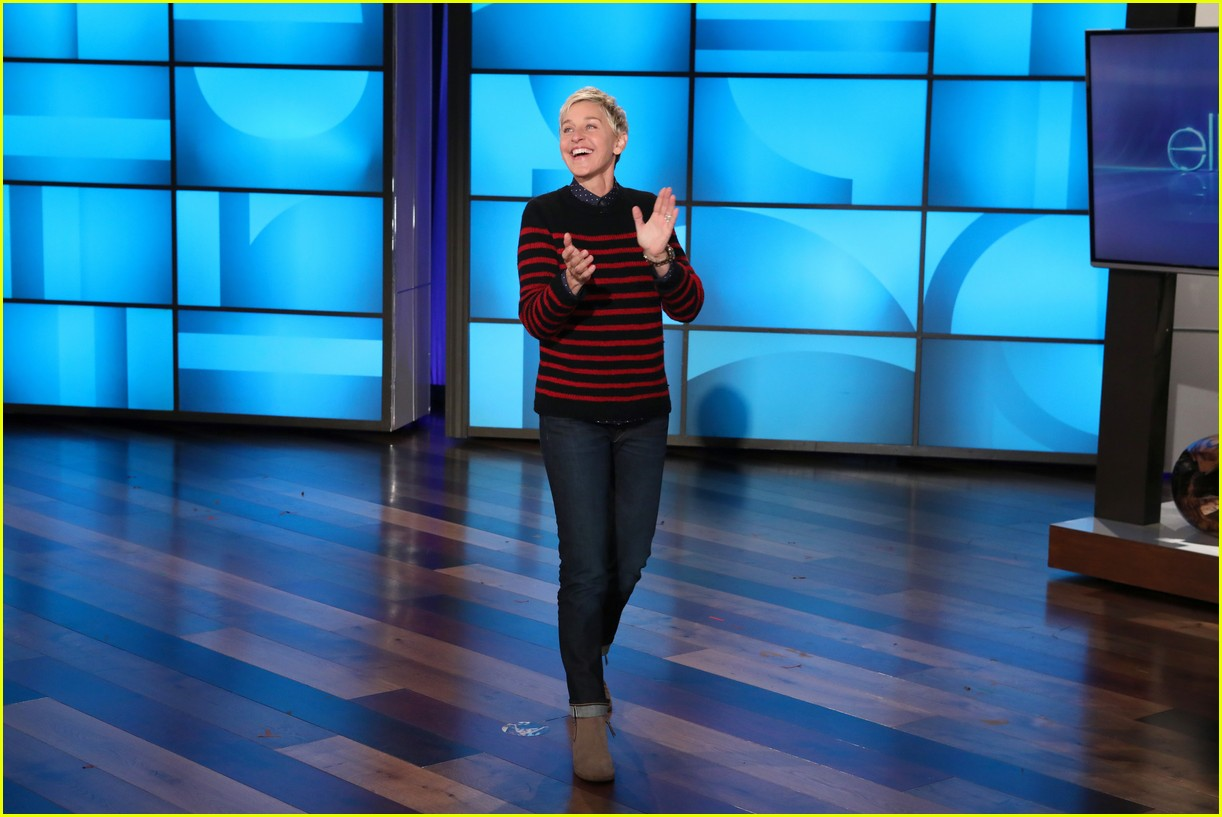 ellen degeneres hilariously inserts herself into taylor swifts video 033962394