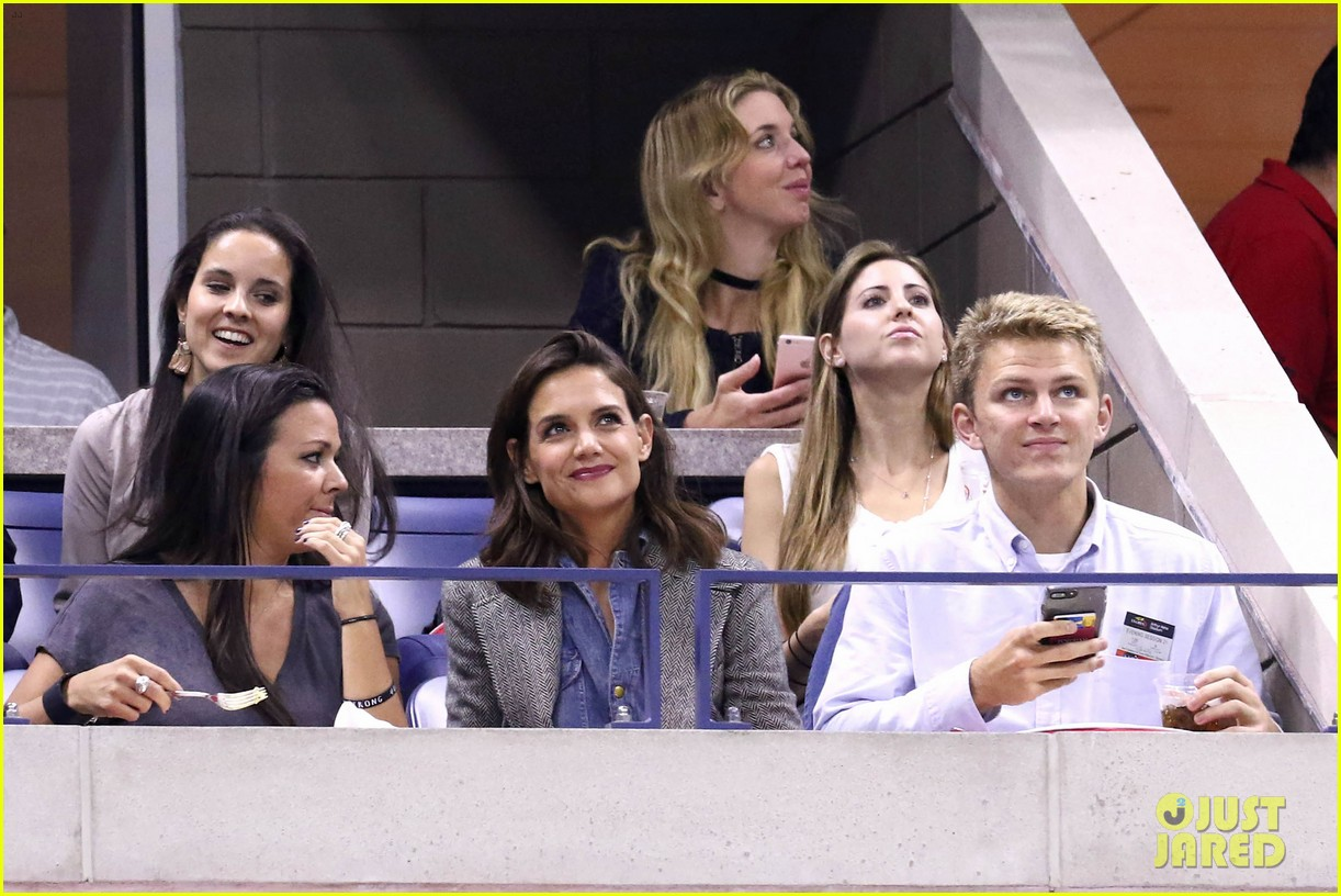 katie holmes was on the edge of her seat at us open match 05