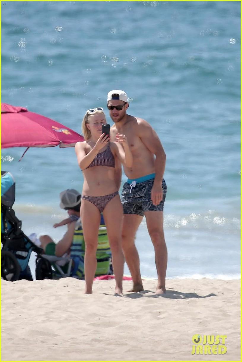 julianne hough husband brooks laich show off their hot beach bodies 01