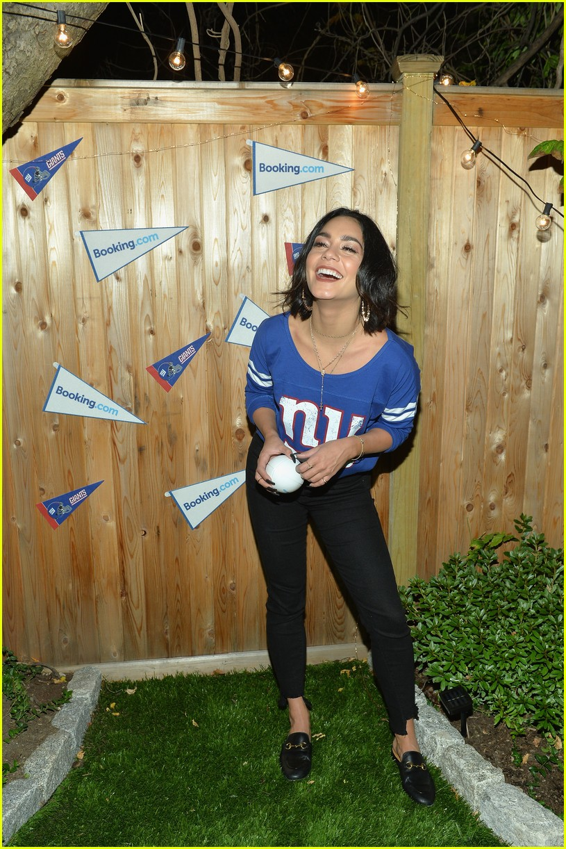 vanessa hudgens roots for new york giants 05